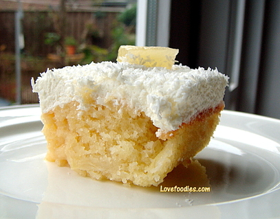 Pineapple & Coconut Cake
