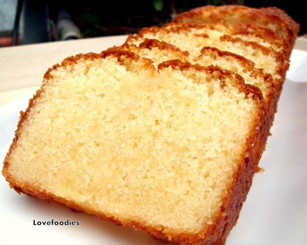 Moist Vanilla Pound Cake