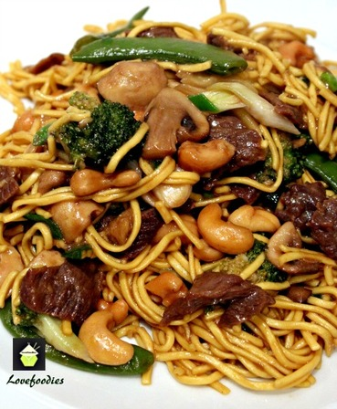 Beef and Vegetables Lo Mein